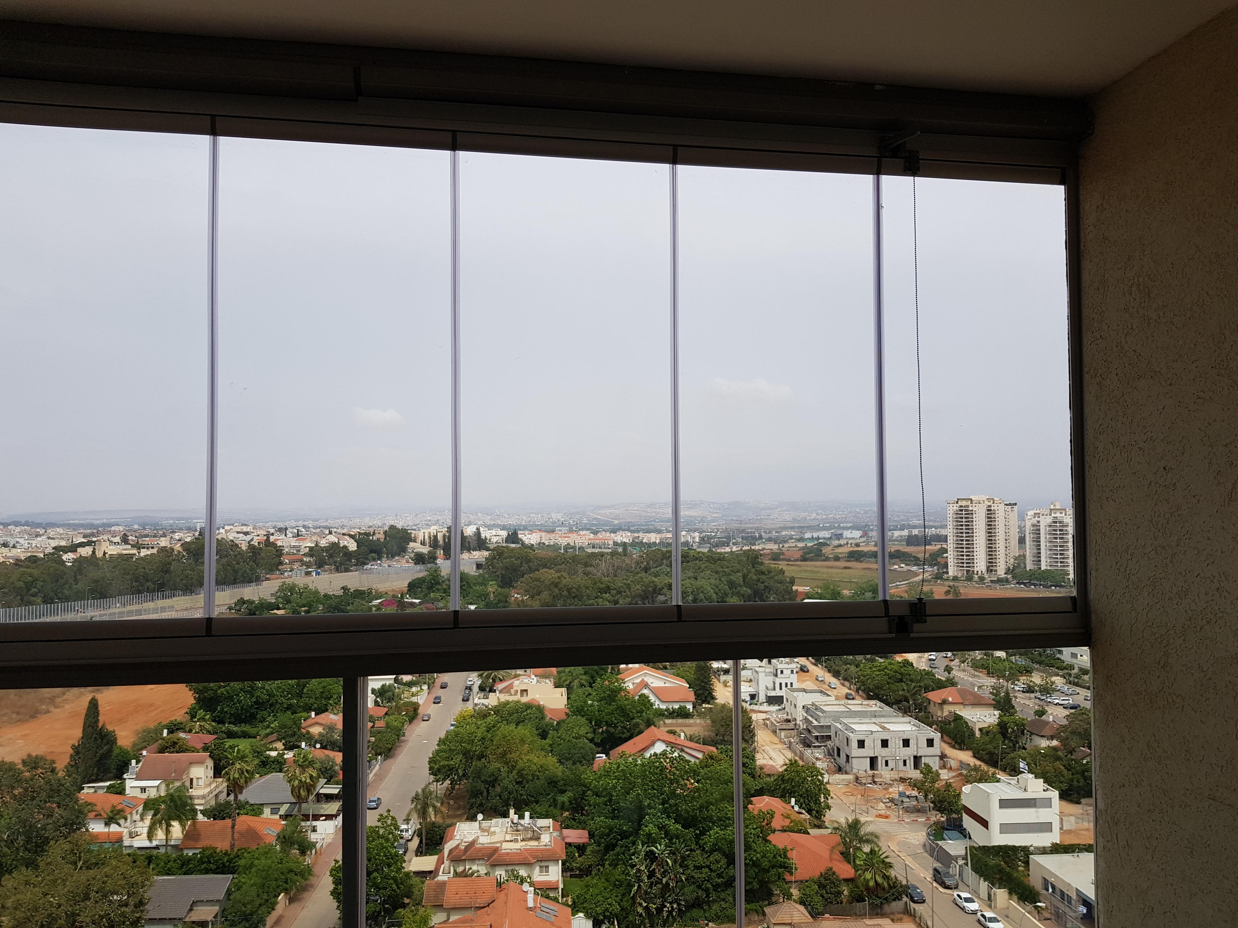 חלונות פנורמיים